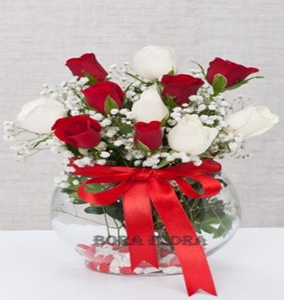 Bora Flora Fanusta Kırmızı,Beyaz Güller